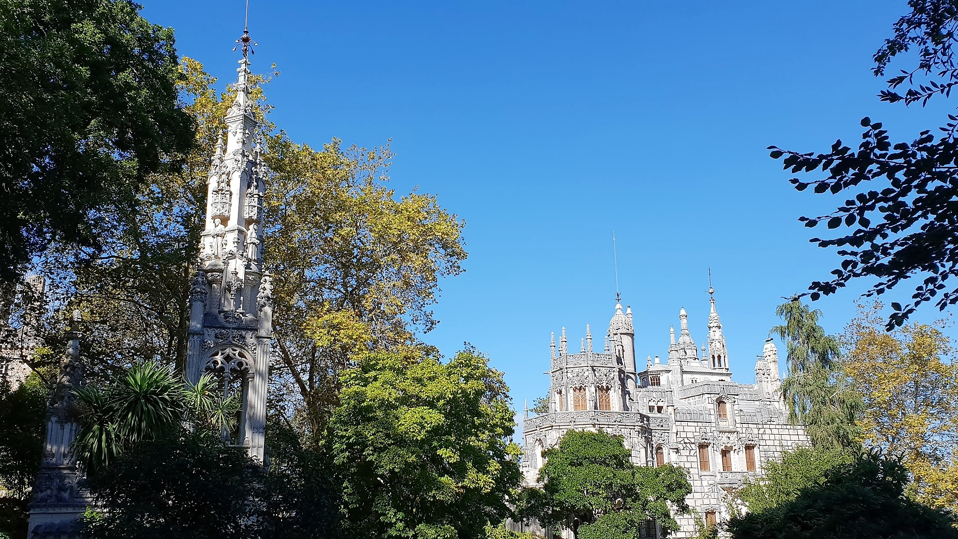 Sintra! Check out my other post about Sintra 🏰💓 Great daytrip: 40 minutes by train from Lisbon